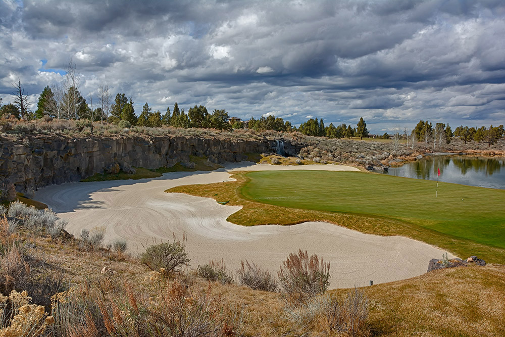 13th Hole at Pronghorn Golf Club Nicklaus Course