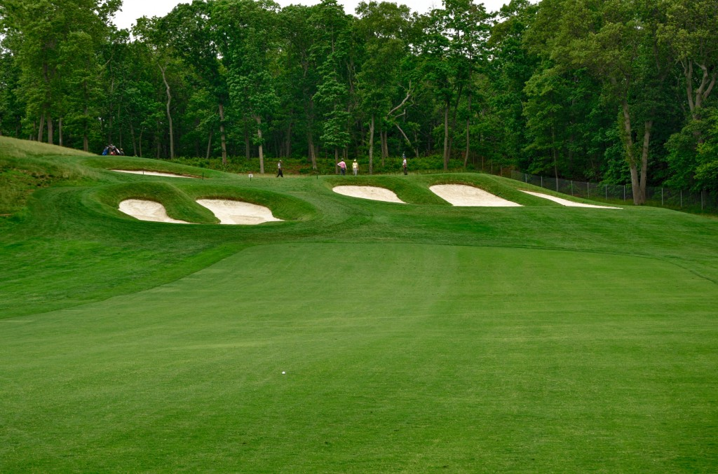 Bethpage Black Hole 15 Approach