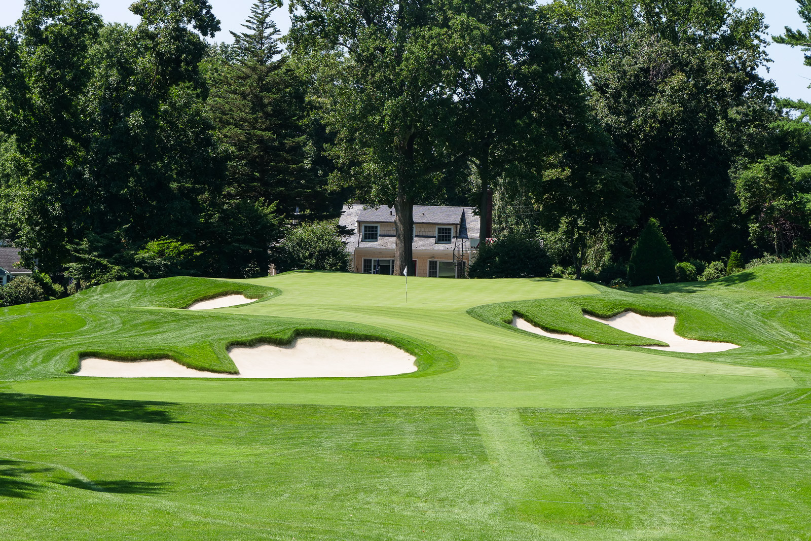 The par 3, 10th at Winged Foot West.